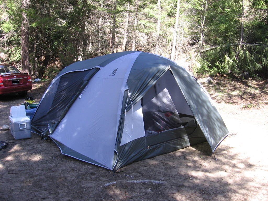 Whirlwind Guide 5 - rear quarter & AndrewMartens.com » Review: Chinook Whirlwind Guide 5 Tent